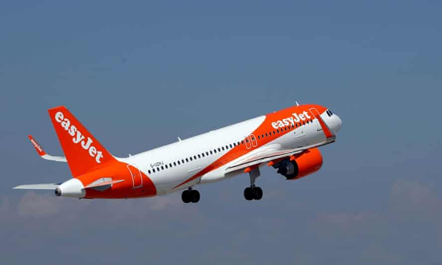 An The easyJet Airbus A320-251N takes off