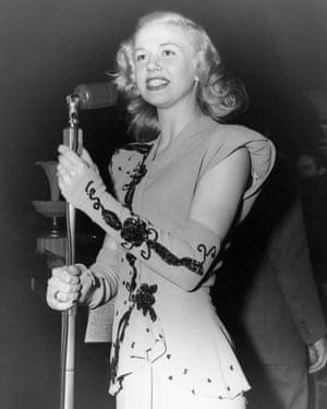 Doris Day singing circa 1939