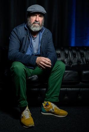 Eric Cantona a déclaré: «De plus en plus de supporters racistes utilisent le football dans le monde entier. Et on laisse tomber.