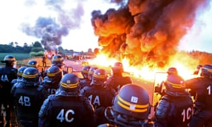 c5c58d20284a68 French police dislodge protesters blocking a fuel depot in  Douchy-les-Mines