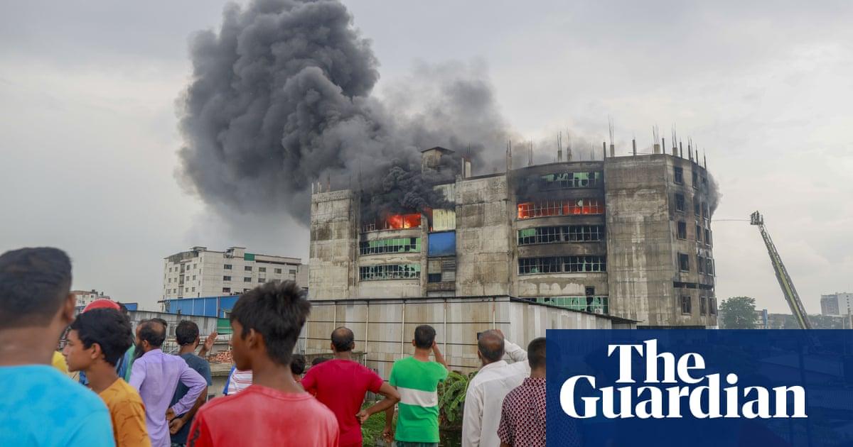 Dozens die in Bangladesh factory fire – video