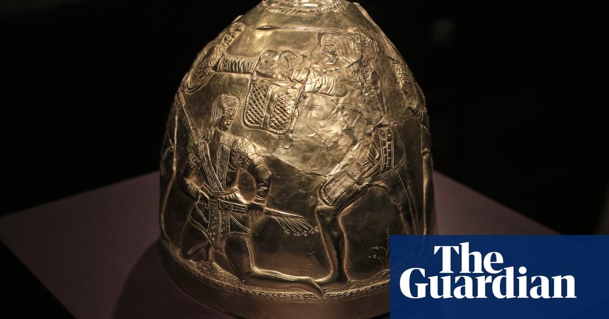 Ukraine has legal right to Crimean artefacts, Dutch court rules
