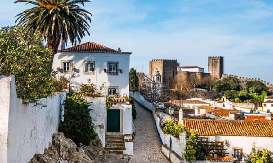 Street scene in Óbidos, Portugal.