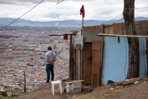 A red rag has been on the roof of a house in Altos de la Estancia, signaling that the family living there needs help during the quarantine.