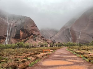 A path leading up to Uluru