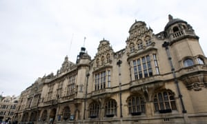 Oxford city council has cut its carbon footprint by 5%.