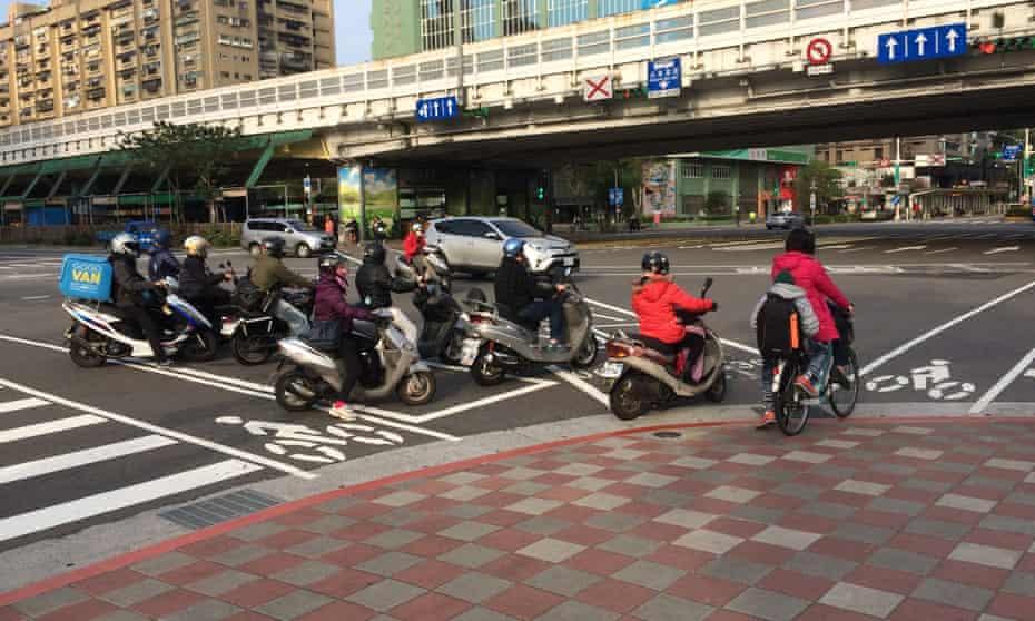 Taipei cycling.