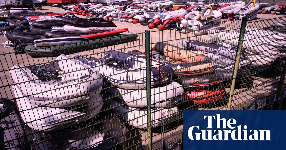 UK boat suppliers warned to be on alert for people smugglers