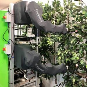 Fieldworks Robotics raspberry-picking machine