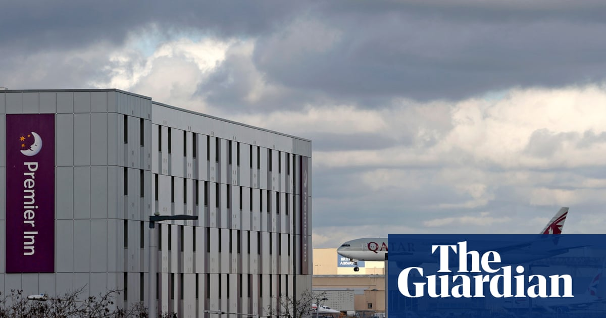 Police ready to help enforce Covid quarantine for arrivals in UK via @guardian