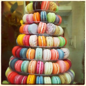 A stack of multicoloured macaroons