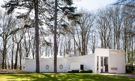 Middelheim pavilion designed by Renaat Braem at Middelheim Museum, Antwerp, Belgium.