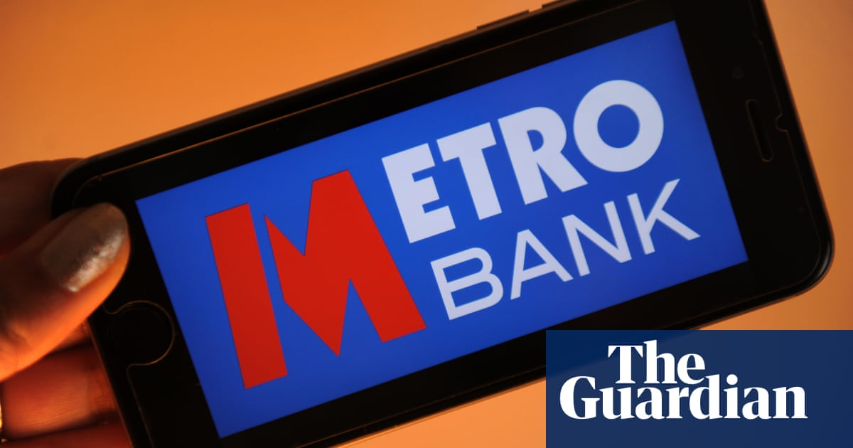 Number spoofing: more Metro Bank users say they were robbed