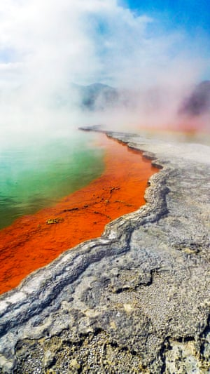 Named after its constant fizzing of carbon dioxide bubbles reminiscent of champagne, 'Champagne pool' is one of New Zealand's most well-known geothermal features. Despite it being 900 years old, it's relatively young for a hot spring and gets its distinctive orange colour from toxic mineral sulphides.