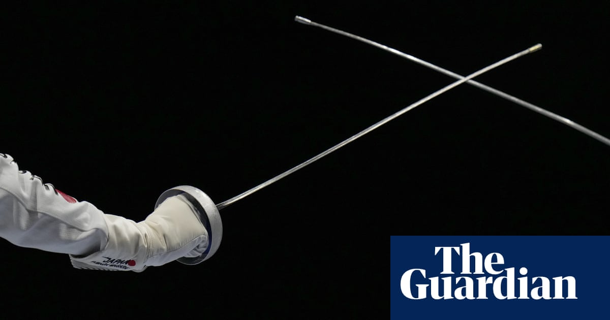 US fencers wear pink masks after teammate accused of sexual misconduct