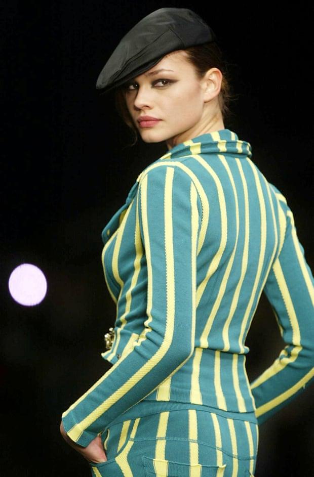 A model on the Sonia Rykiel catwalk in 2004.