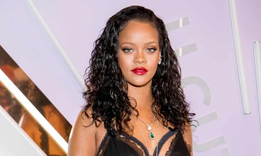 'Women should be wearing lingerie for their damn selves' ... Rihanna.