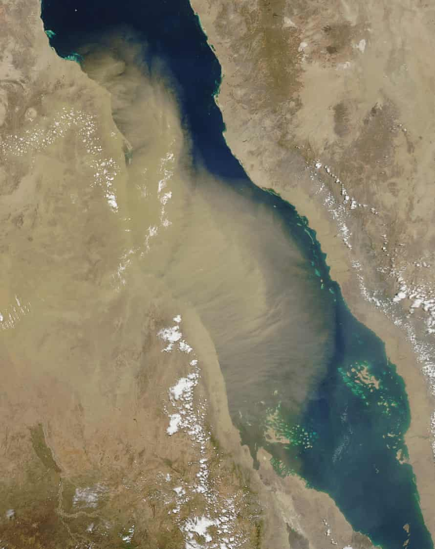 Dust storms over the Red Sea