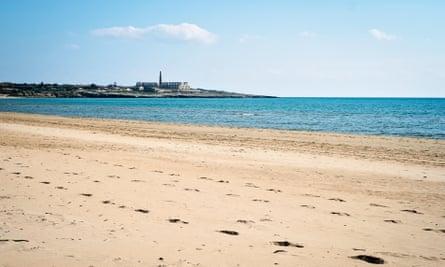 Sampieri beach