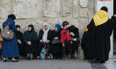 Women outside the Umayyad mosque in Damascus
