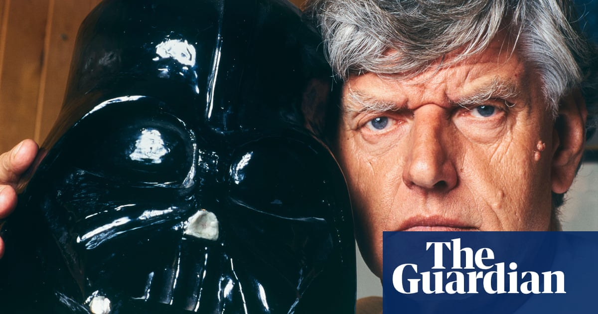 Star Wars: Darth Vader actor David Prowse's items up for auction