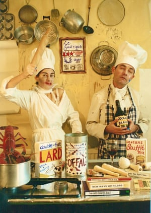 Celebrity Chefs (1997) by Lisa Wolfe and Peter Chrisp.