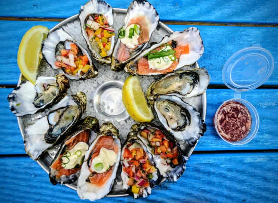A platter of oysters