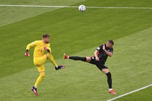 Czech Republic's goalkeeper Tomas Vaclik beats Croatia's Ante Rebic to the ball.