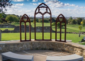 Lesnes Abbey Woods artwork, with a view of London