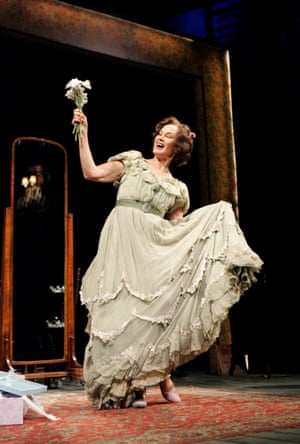 Jessica Lange in The Glass Menagerie at the Apollo in 2007
