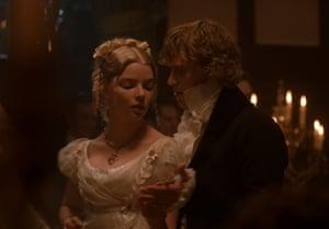 Anya Taylor-Joy (Emma) with Johnny Flynn as Mr Knightley.