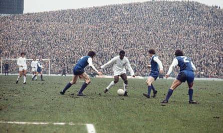 Pele takes on the Sheffield Wednesday defence during a game at Hillsborough, 23rd February 1972.