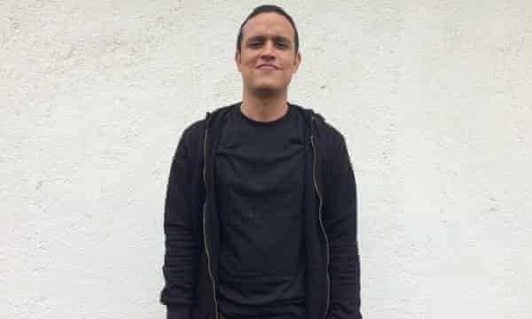 Douglas Costa, 30.