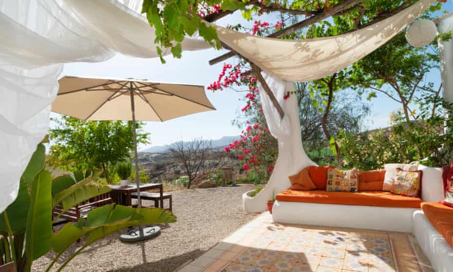Terrace with seating and view, Casa Isadora