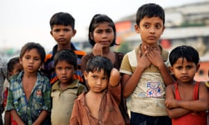 Rohingya refugee children look in Cox's Bazar, Bangladesh. Labor says 'Australia has an obligation to do a lot more' for the Rohingya.