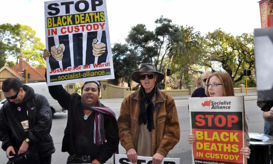 Protesters rally outside the Director of Public Prosecutions office in Perth, Friday, July 2, 2010. Protesters angry over the heat stroke death of an Aboriginal elder in a prison van have accused the West Australian Director of Public Prosecutions of racism in not laying charges. (AAP Image/Lloyd Jones) NO ARCHIVING