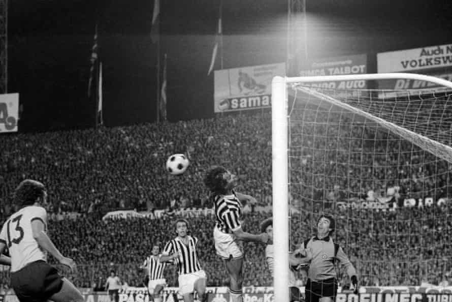 Arsenal sub Paul Vaessen heads home a late winner to give the visitors a famous victory in Turin.