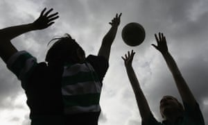 Pupils play netball