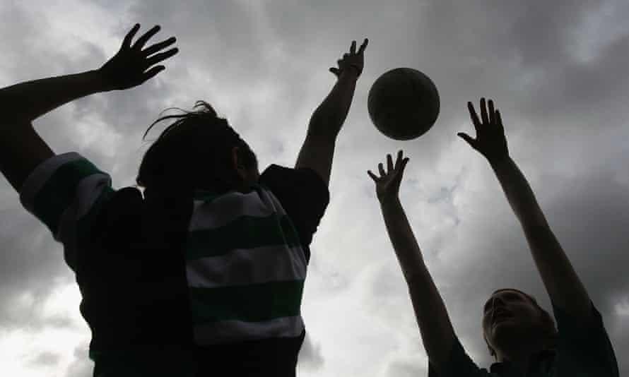 Pupils play netball