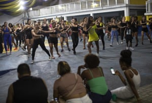 A class practises its moves. The best dancers will join Paraíso de Tuiuti in its official parade, this year scheduled for 23 February