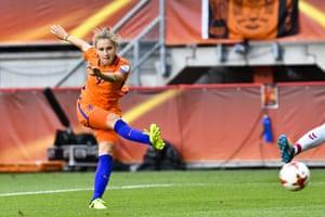 Vivianne Miedema scores number four.