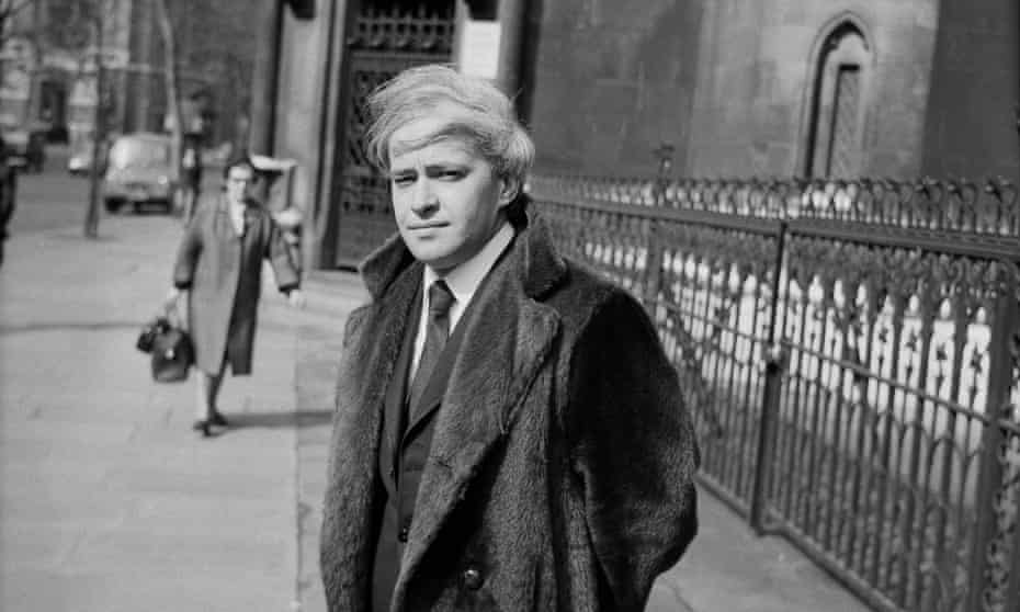 Stephen Vizinczey outside the law courts in London, 1971, where he was suing a magazine for libel. To the despair of his family, friends and admirers, he had a taste for litigation.