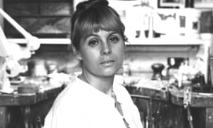 Wendy Ramshaw at work in her studio in 1982.