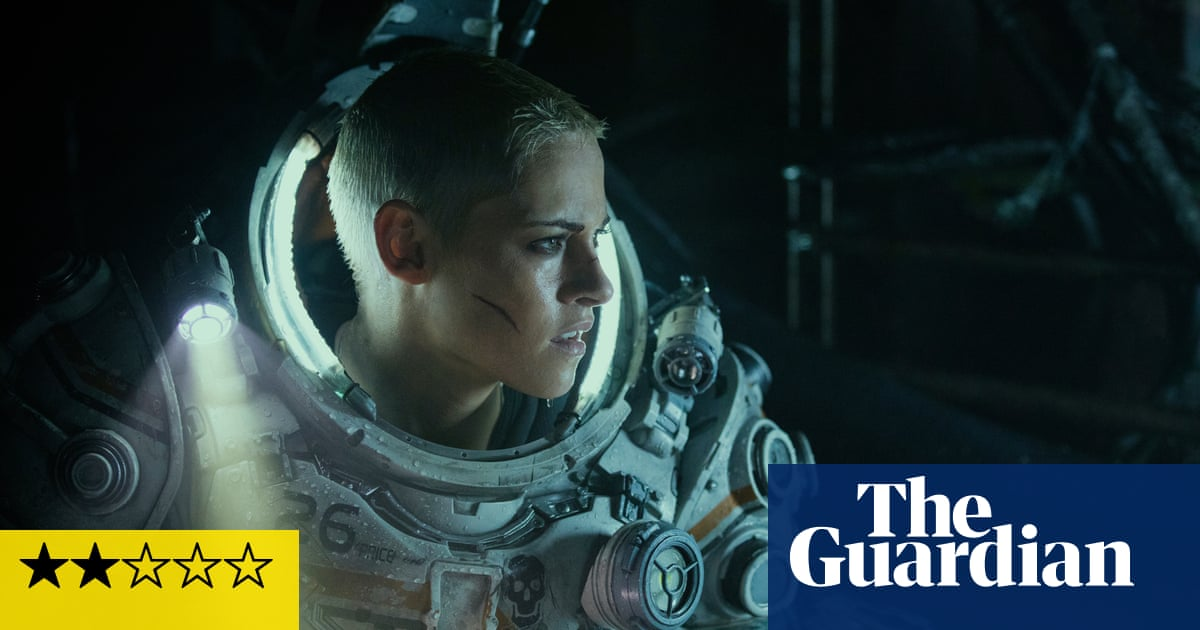 Underwater review – Kristen Stewarts soggy, silly monster movie