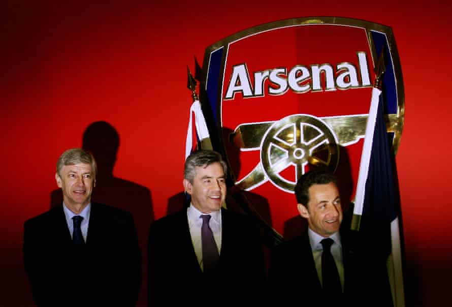 Wenger with the then French president, Nicolas Sarkozy, and prime minister Gordon Brown.