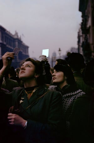 Memorial Sunday, London, 1953Inge Morath is remembered for her pictures of people: sensitive, humorous and elegant images that capture an international intelligentsia of postwar Europe and America. Just as fascinating, though, is the story of her own life and how she used photography as a passport to worlds conventionally closed to women. Born in Austria in 1923, Morath was marked by a childhood in Nazi Germany, and a harrowing escape from Berlin in 1945Inge Morath: An Illustrated Biography by Linda Gordon, co-published by Magnum and Prestel is available now