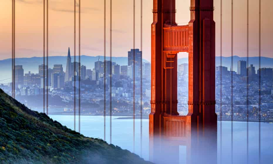 Partly enveloped in mist, Golden Gate Bridge, San Francisco, US.
