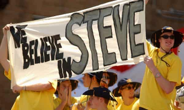 Fans in Sydney show their backing for Australia's captain Steve Waught in what was his final Ashes Test