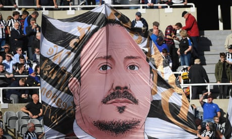Benítez bows out after collision of control freaks at Newcastle