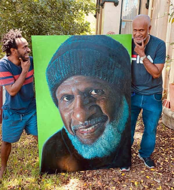 Lesley Wengembo with Mal Nabogi and his Archibald prize entry